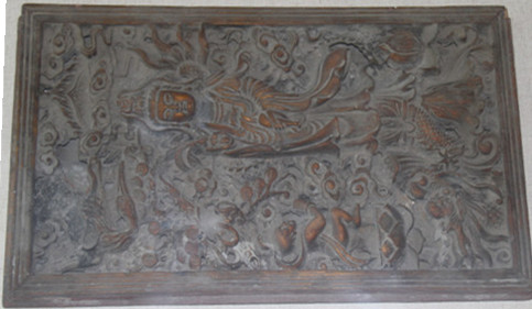 Indoor exhibition hall: wood carving