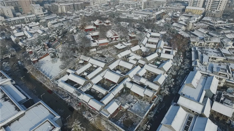 After the snow in 2015, the Ming and Qing architectural aerial protection center Figure 4